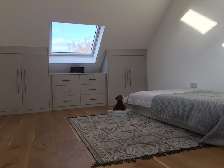 Charming Attic Room in St Albans