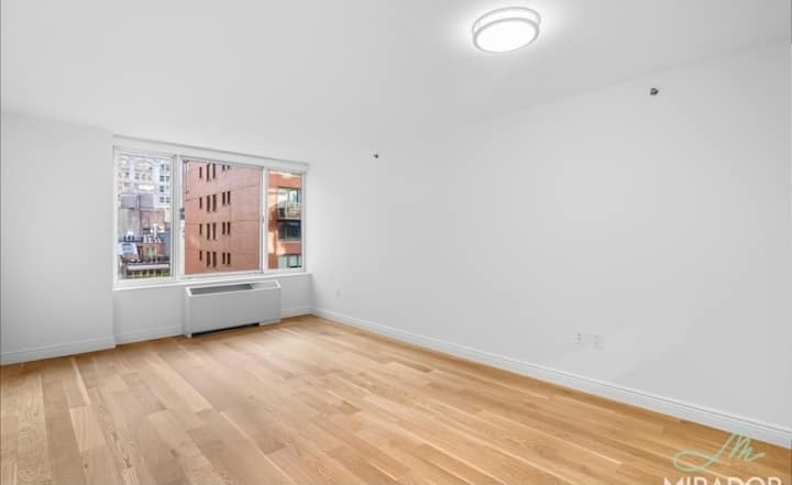 Fully Furnished Studio in Flatiron