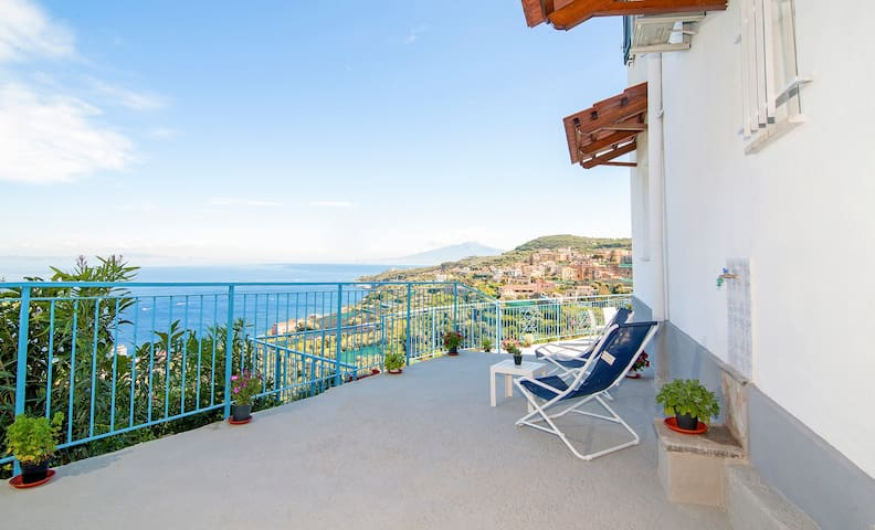 Blue Paradise sea view apartment