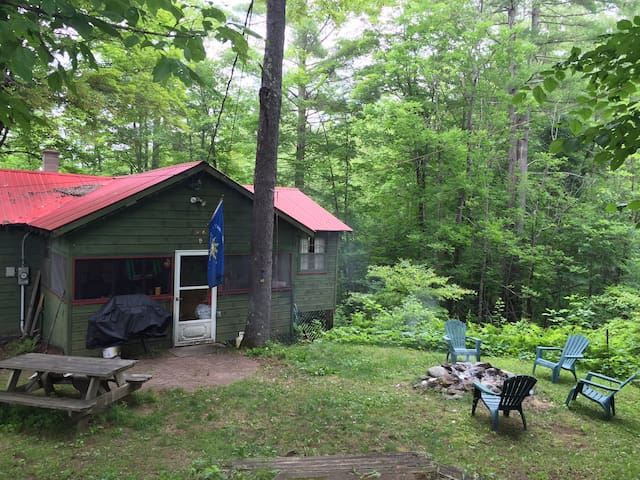 Cozy 4 BR perfect for leaf peeping! - Schroon Lake