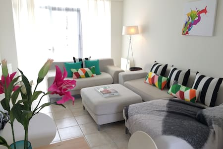 2 BRM Luxe Beachside Apartment - West Beach - Appartamento