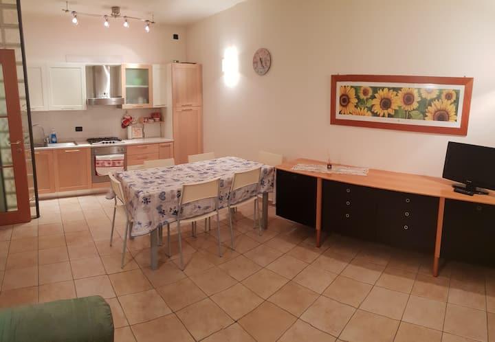 Armadio Ante Scorrevoli Veneto.Serendipity Bardolino Intera Casa Apartments For Rent In