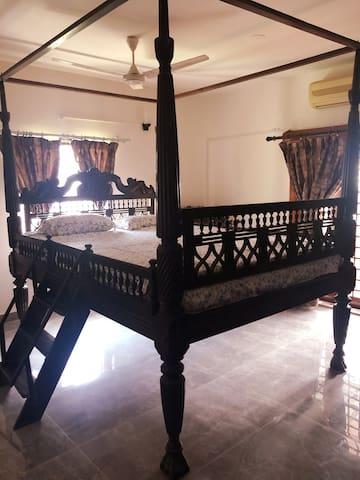 Bedroom 1 - Antique Super King 4 poster bed with ladder