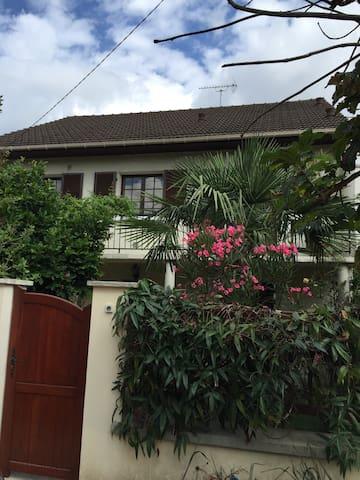 Maison entre Paris et Disney Marne la Vallée