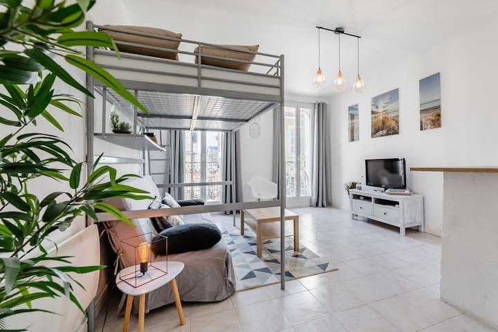 Beau Studio Cosy au Cœur du Panier à Marseille