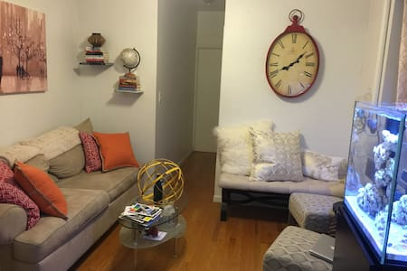 Amazing Apt in Hells Kitchen!! - New York