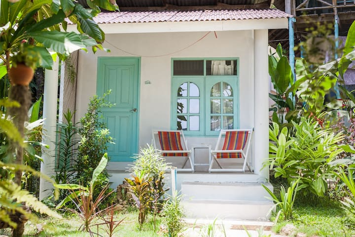 Indie Beach- Bungalow by the beach AC3
