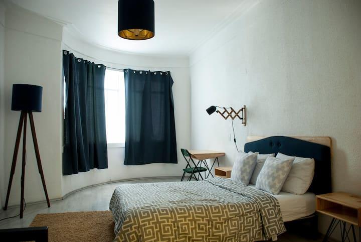 Room with roofgarden and breakfast Juarez,Roma