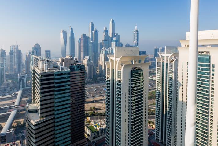 Brightly Studio APT w/BL in JLT (Opp Dubai Marina)
