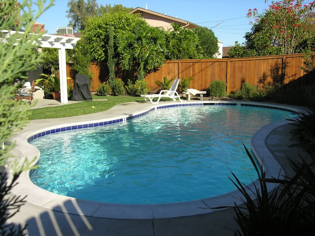 NEW POOL Home Walk 2 DISNEY GAMEROOM - Anaheim - House