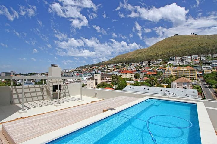 Chic and Spacious in the BEST area of Cape Town
