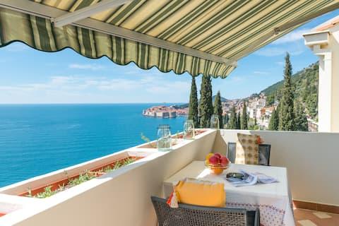 Stylish Apartment PANTOFULE | Spectacular Sea View