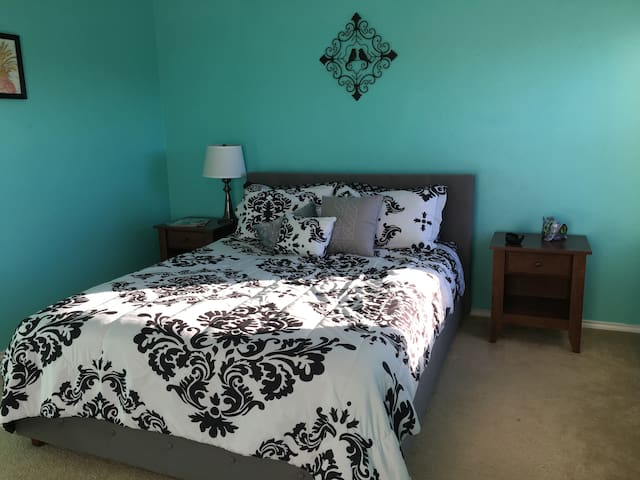 Happy/Cozy room near Lackland AFB and SeaWorld - San Antonio - Casa