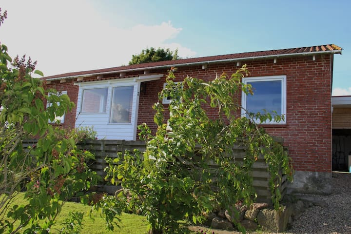 Hyggeligt hus i Sjelle (landsby) - Galten - House