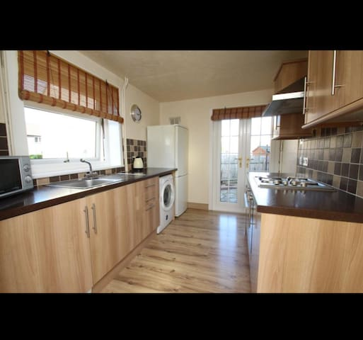 Comfortable double bedroom in great location - Stirling - House
