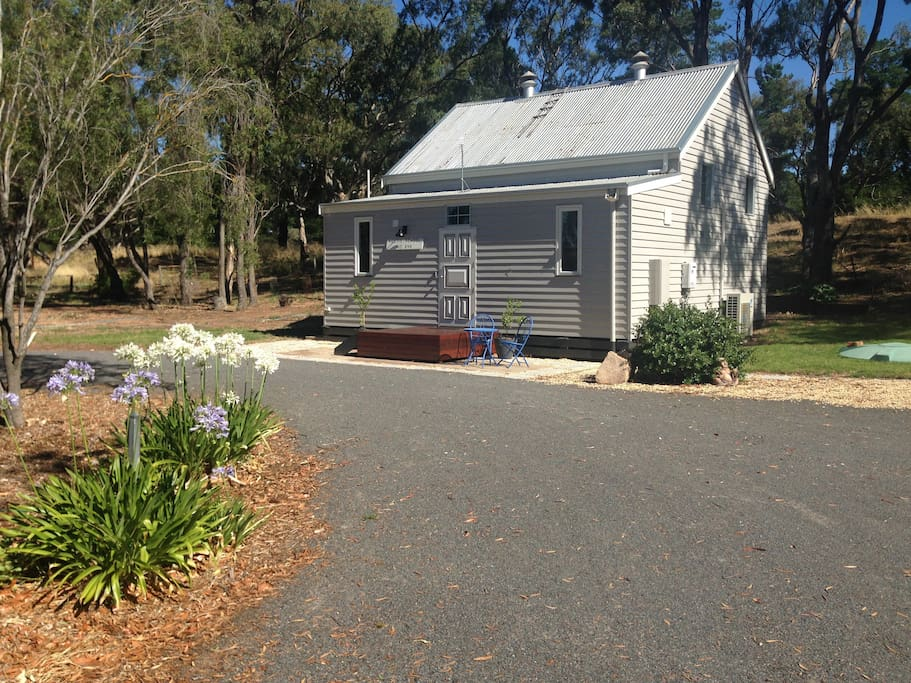 Schoolhouse On Somerset Cabins For Rent In Quantong