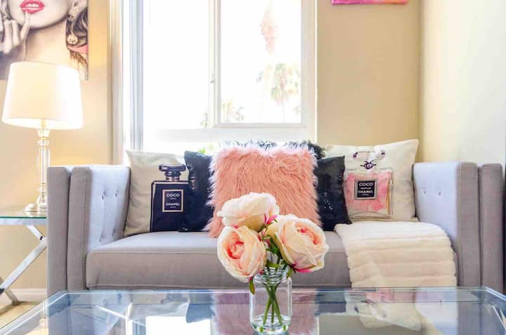 NEW ! Cozy Chanel Studio in the heart of Hollywood