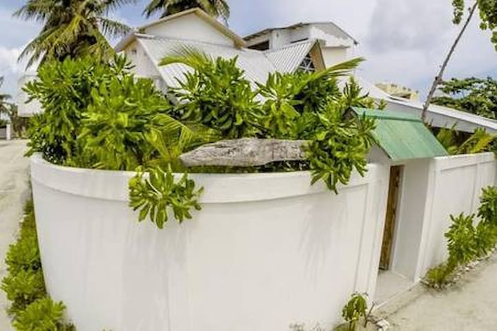 Faza View Inn-5 Bed Room House, Maafushi,Maldives