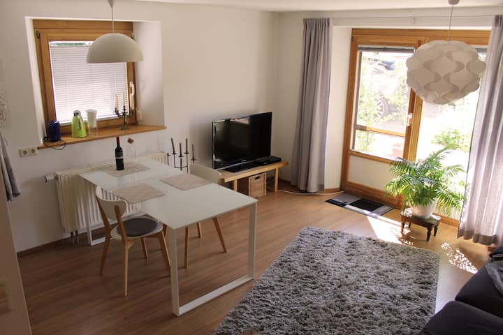 Schöne 2-Zimmer Ferienwohnung am Hochrhein