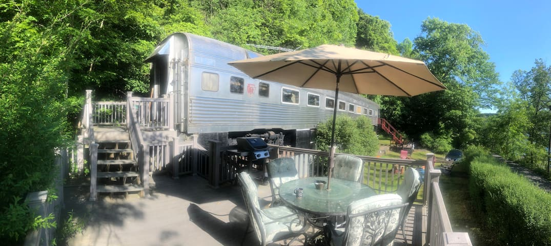 Historic Railcar on Skaneateles Lake