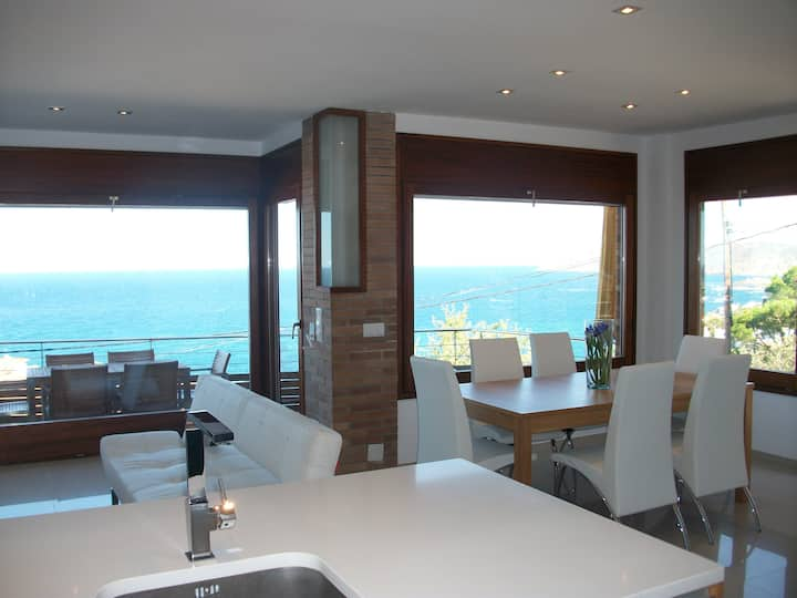 apartamento luminoso con vistas panoramicas al mar