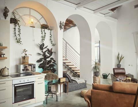 Huge Luxury Designer Beachview Villa, Best Area