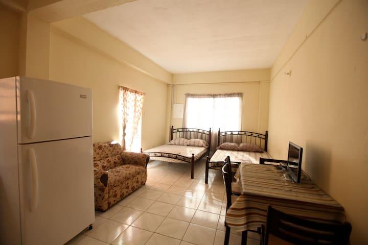 2 Bedroom Apartment (with 5 beds) - Buccoo - Apartment