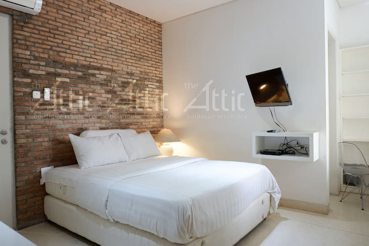 Studio No 3, all include Flat Screen TV with movie channel