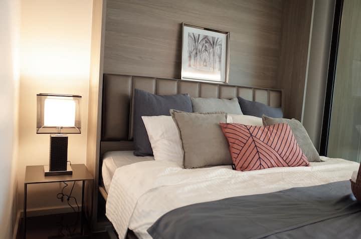 CENTRAL BANGKOK +2 beds@BTS Asok&MRT SUKHUMVIT(88)