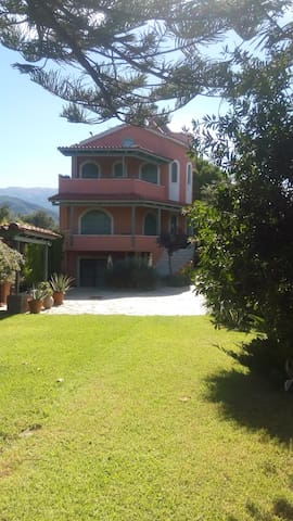 Garden Villa by the sea! - Agios Vasilios
