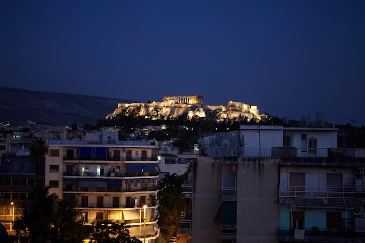 Acropolis Amazing View for4 @ 500m metro Thisio
