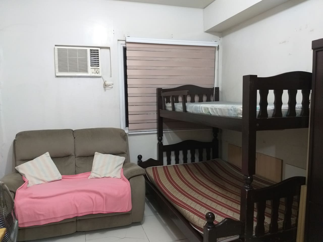 Double deck good for 3 persons... 2 seater lazy boy for extra comfort while watching TV