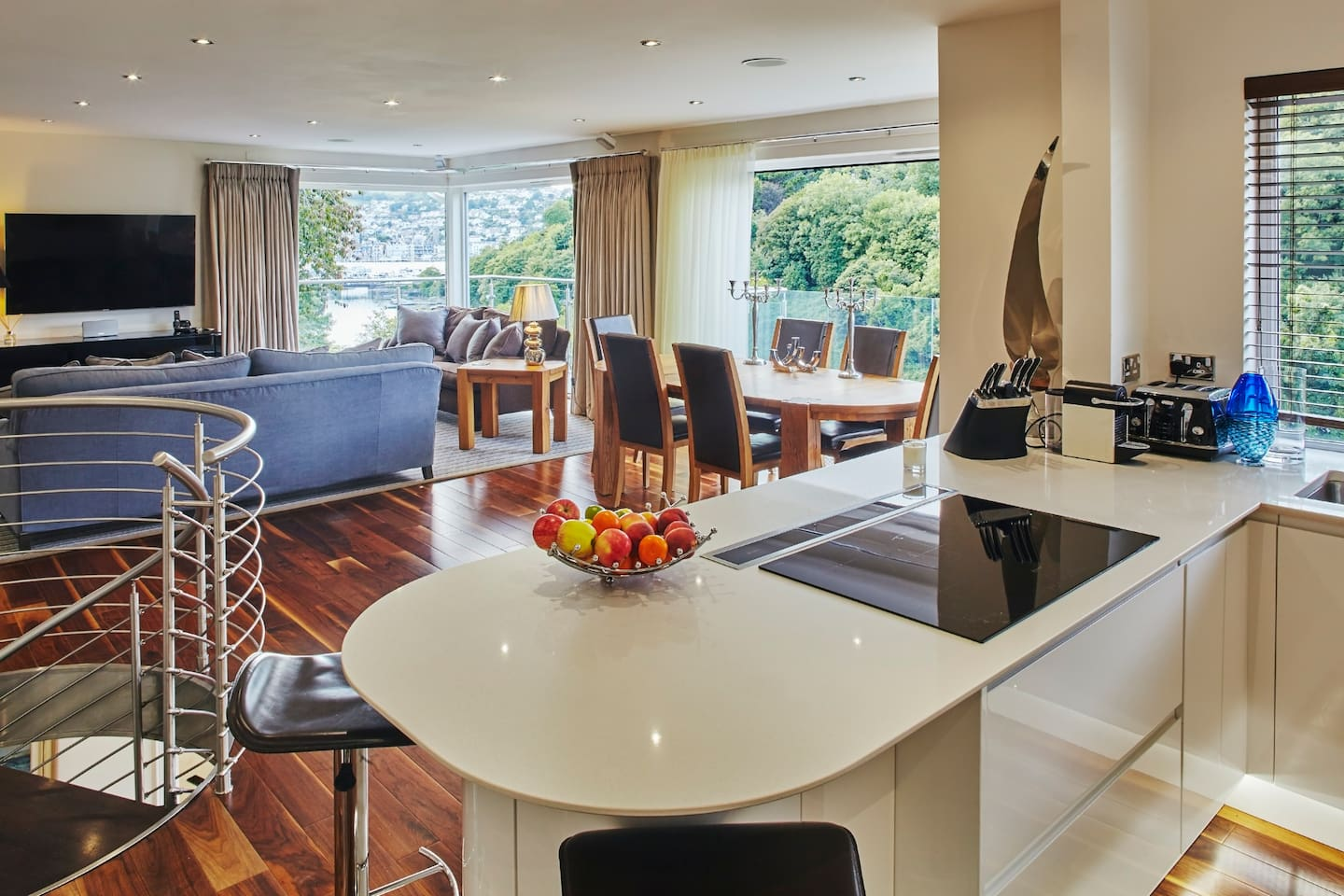Kitchen, Dining & Lounge Room showing the views