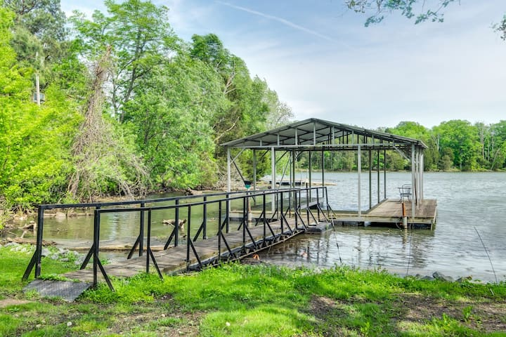 Love is in the Air - Cozy Cottage on Old Hickory
