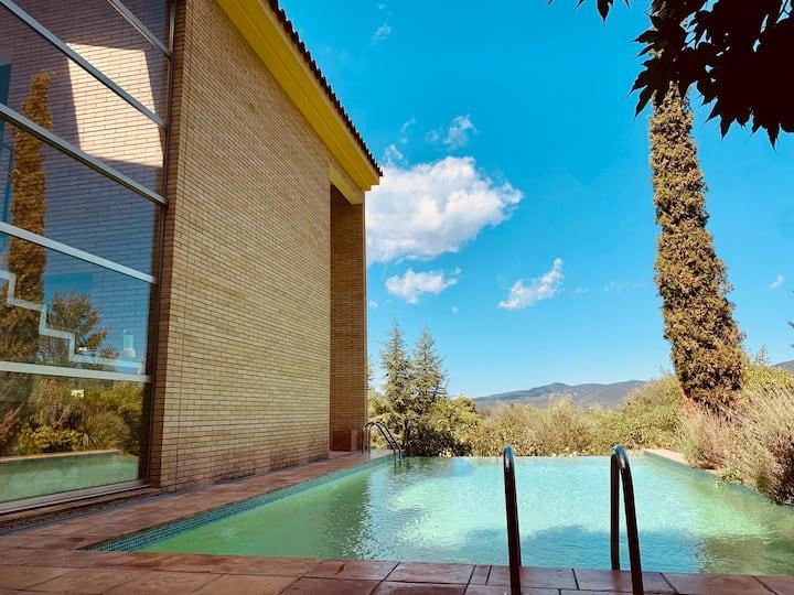 Architect Villa with Infinity Pool near Beach&Golf