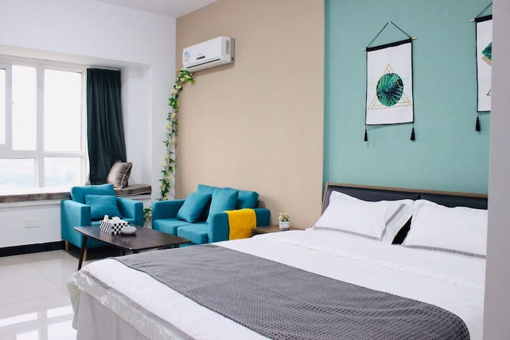 『猪窝·民宿』绿野仙踪林·宝龙华庭公寓.临近金鹰、八佰伴、香港城,周边应有尽有