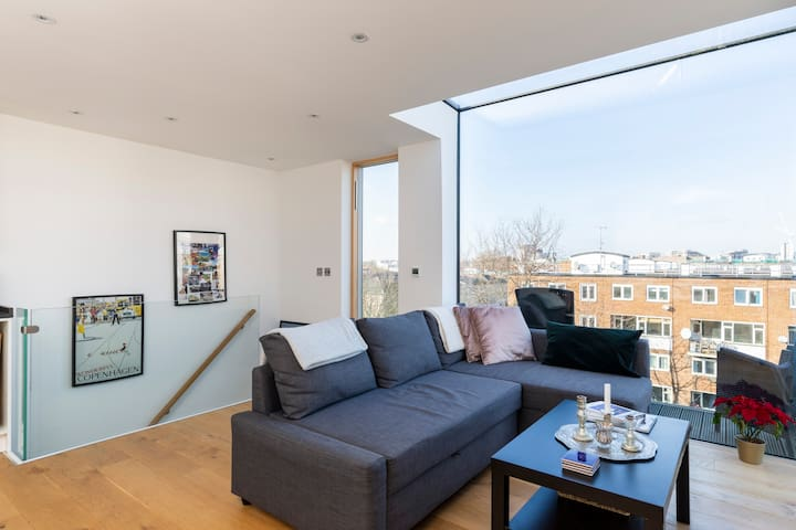 New Build Luxury 1 bed apartment across two floors