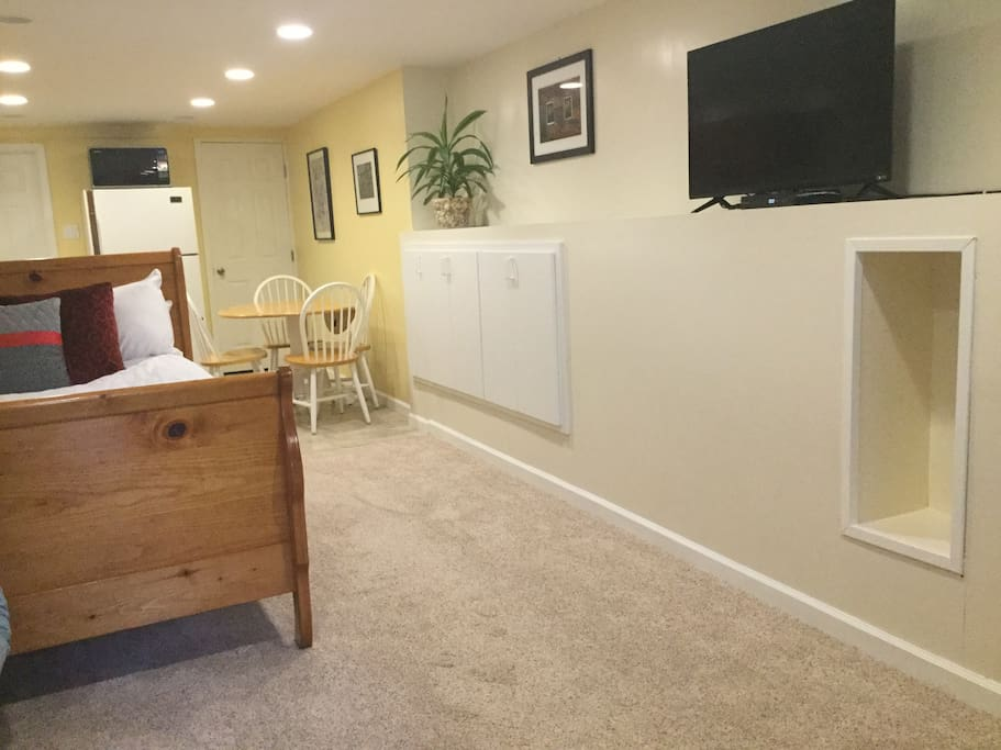 "Cozy studio Room view - great 42"" flat screen TV with basic cable.  Free Wi-FI"