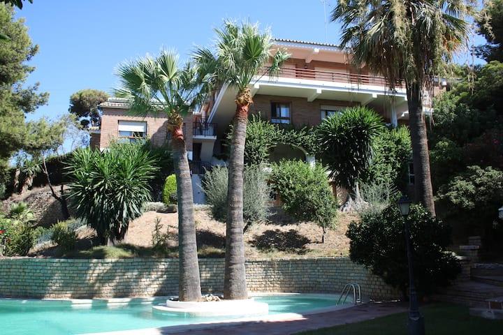Villa Las Yedras. Malaga city
