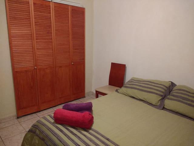 Cómoda y confortante habitación sector tranquilo