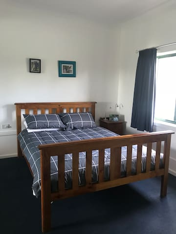 Convenient 2 Bedroom Apartment - Blaxland