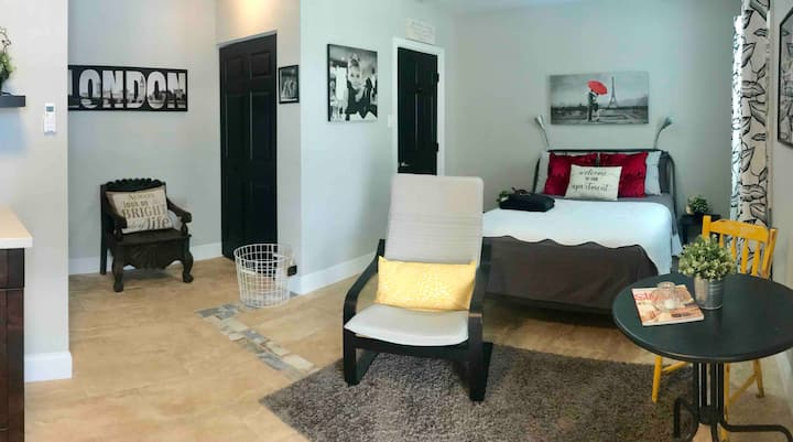 Ybor City Tampa: La Septima.    RENOVATED STUDIO!!