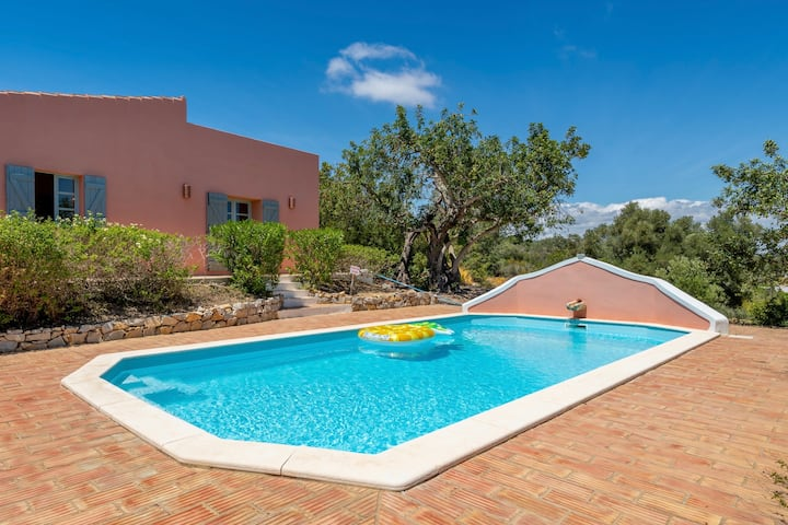 Private Quinta with swimming pool & sea view