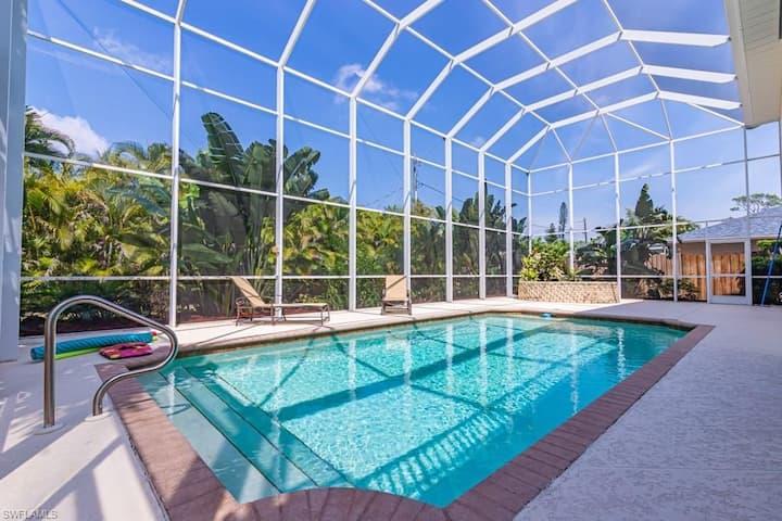 Bonita Vacation Home with Pool - 4 Bdr/3Bath