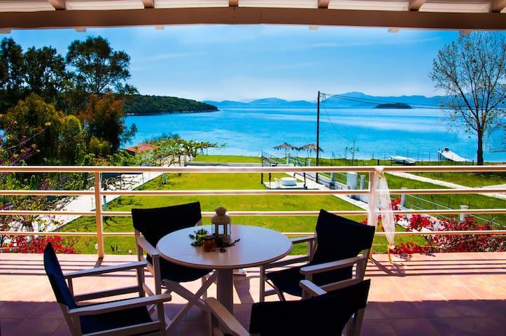 Villa Aphrodite By The Sea