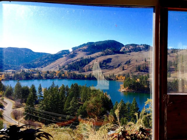 Cosy cottage near Penticton, B.C. - Keremeos - House