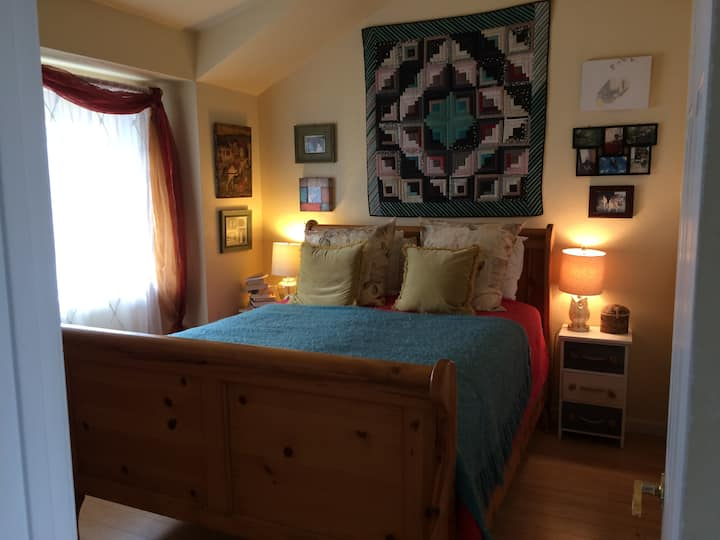 Room for rent in Sacramento, California.