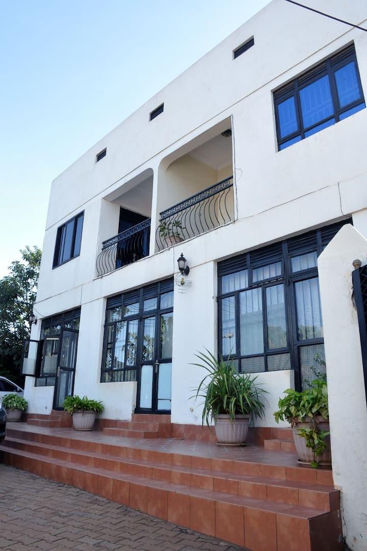 HLK Apartments (Studio 3)