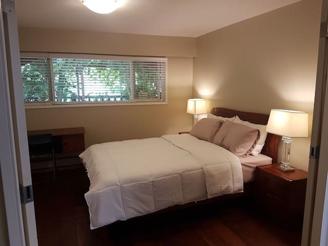 Comfortable room in central Vancouver