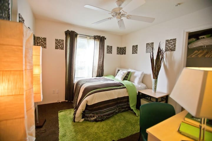 Summer Sublease for The Pointe - Orlando - Apartamento